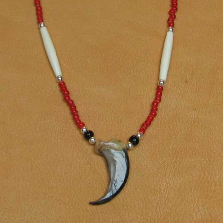 Single Bear Claw & Glass Beads Necklace